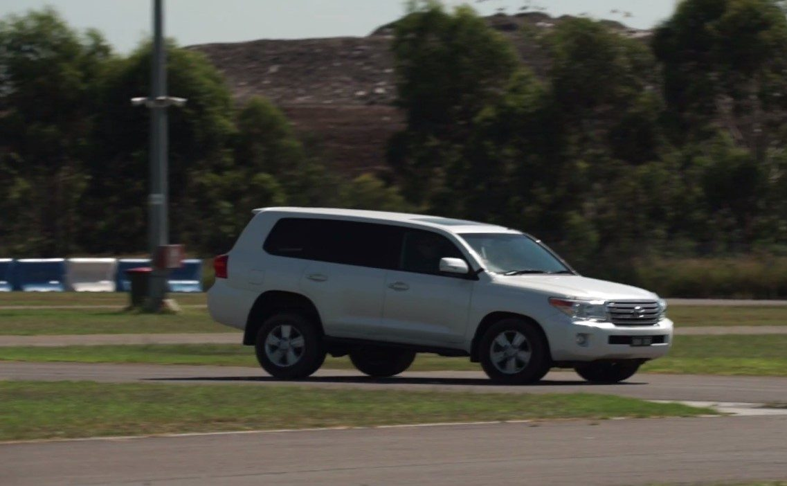 4WD Toyota Landcruiser 200 Series Stopping Distance Test